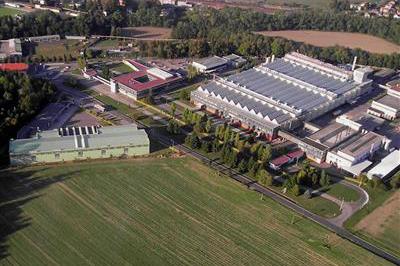 svetla_fabrika